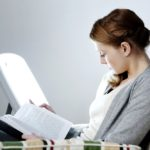 woman using light therapy